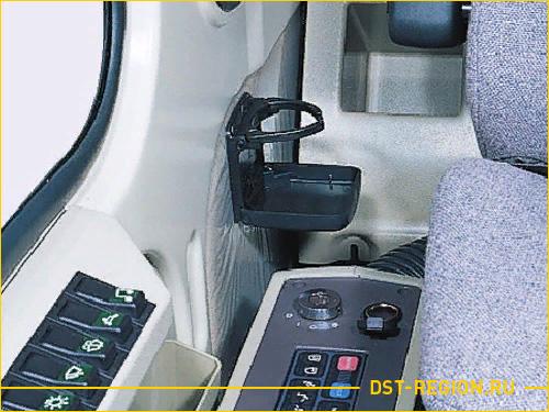 Вид внутри кабины экскаватора Doosan