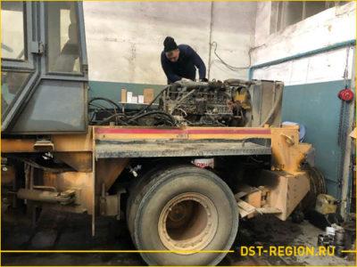 Ремонт двигателя и коробки передачи катка