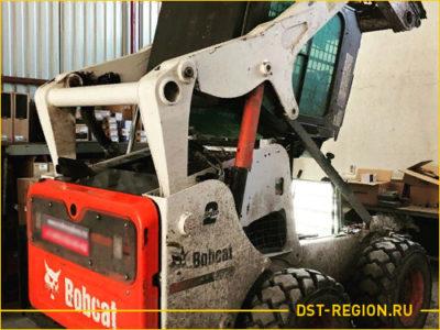 Замена навесного оборудования у мини погрузчика